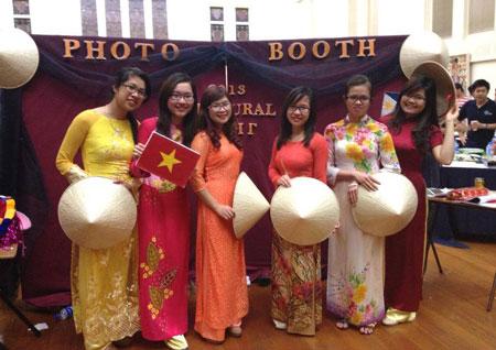 Việt Nam nổi bật trong đêm hội văn hóa tại Nam Úc