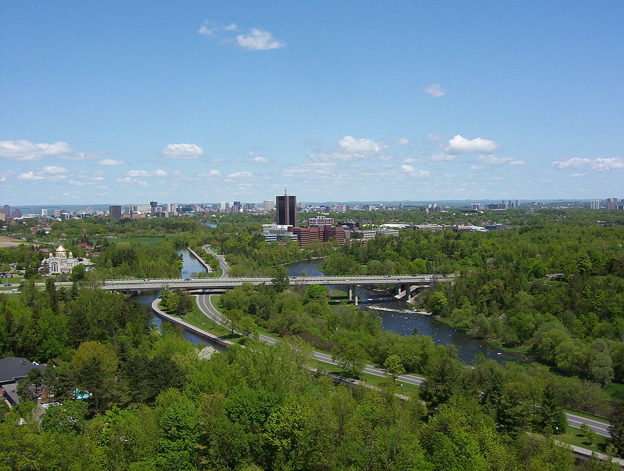 1280px-Carleton University south view 2