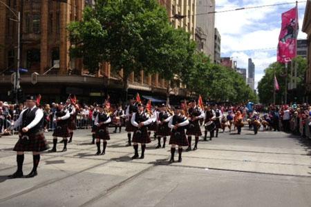 Melbourne náo nức với lễ hội đua ngựa