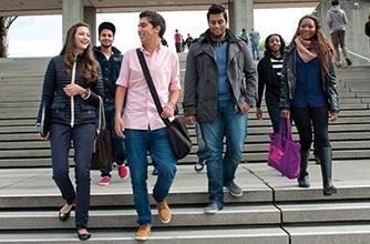 3 tuyệt chiêu giúp bạn mở rộng các mối quan hệ xã hội khi bạn là sinh viên của đại học Simon Fraser, Canada