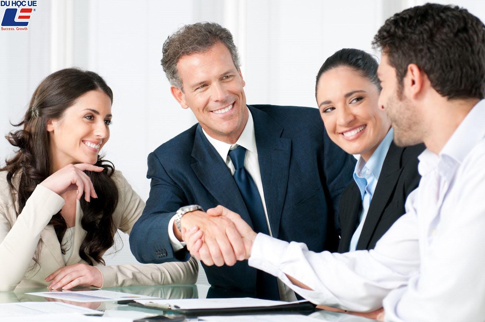 4 tips dành cho tân sinh viên ngành Kinh doanh 2