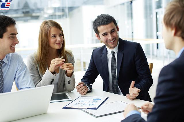 4 tips dành cho tân sinh viên ngành Kinh doanh 1
