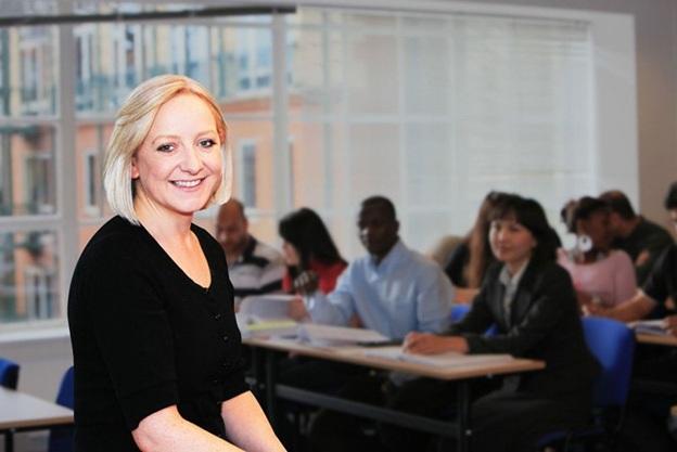 Cơ hội học bổng cho sinh viên Việt Nam từ trường kinh doanh và tài chính Luân Đôn