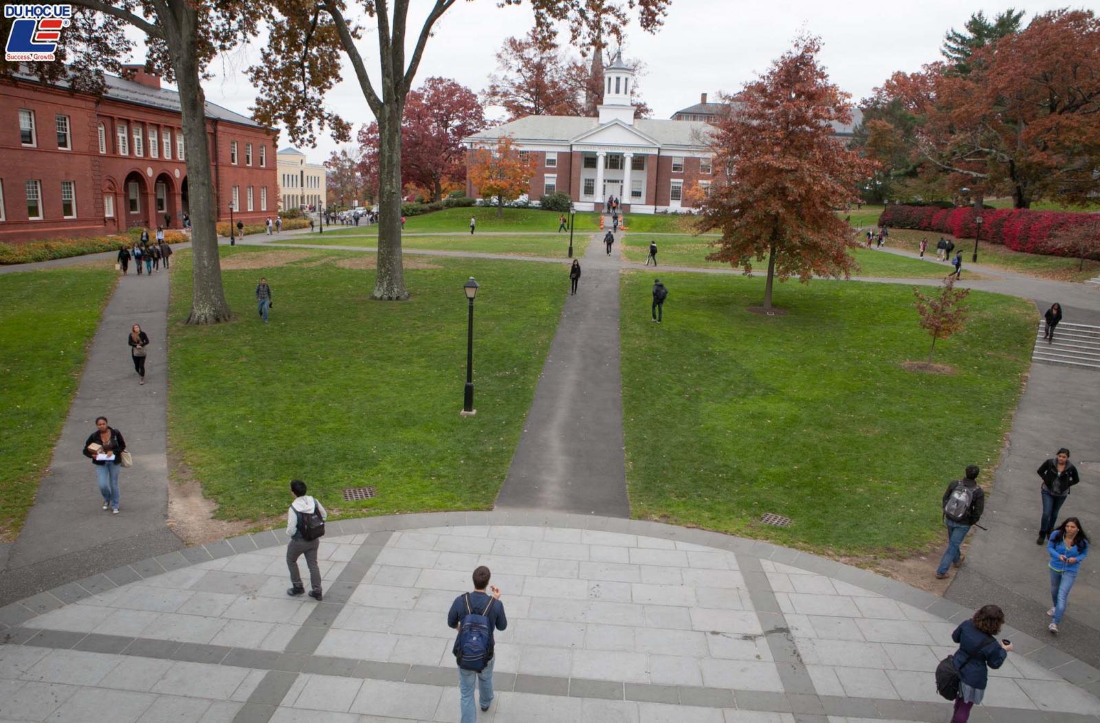 Cơ hội đặt chân đến Mỹ bằng học bổng toàn phần tại Amherst College 3