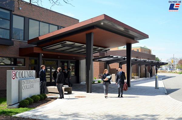 Cùng UE tìm hiểu về trường tư thục nổi tiếng nhất Canada - Columbia International College 2