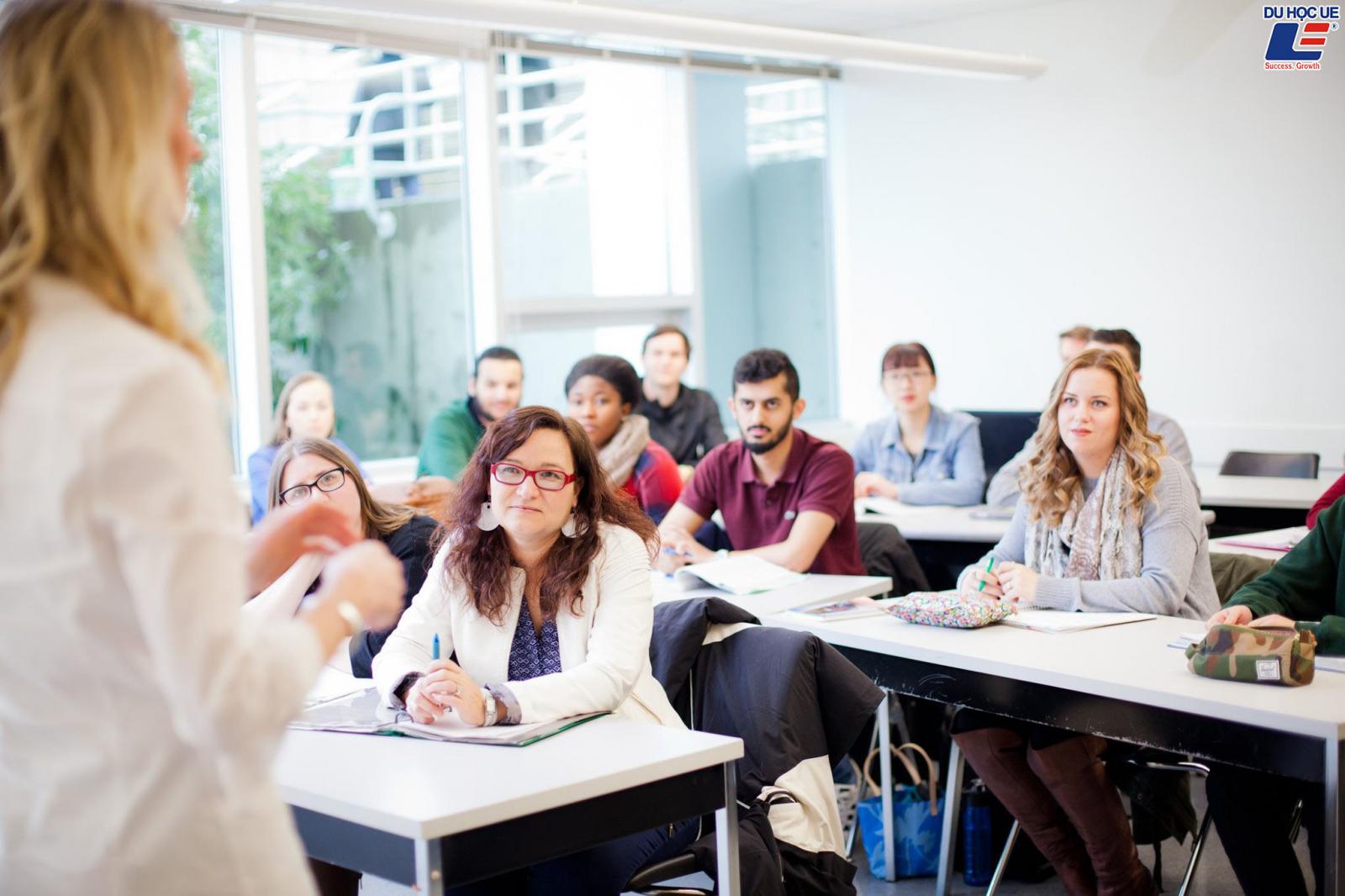 Cùng Du học UE chinh phục các suất học bổng danh giá tại Vancouver Island University, Canada 3