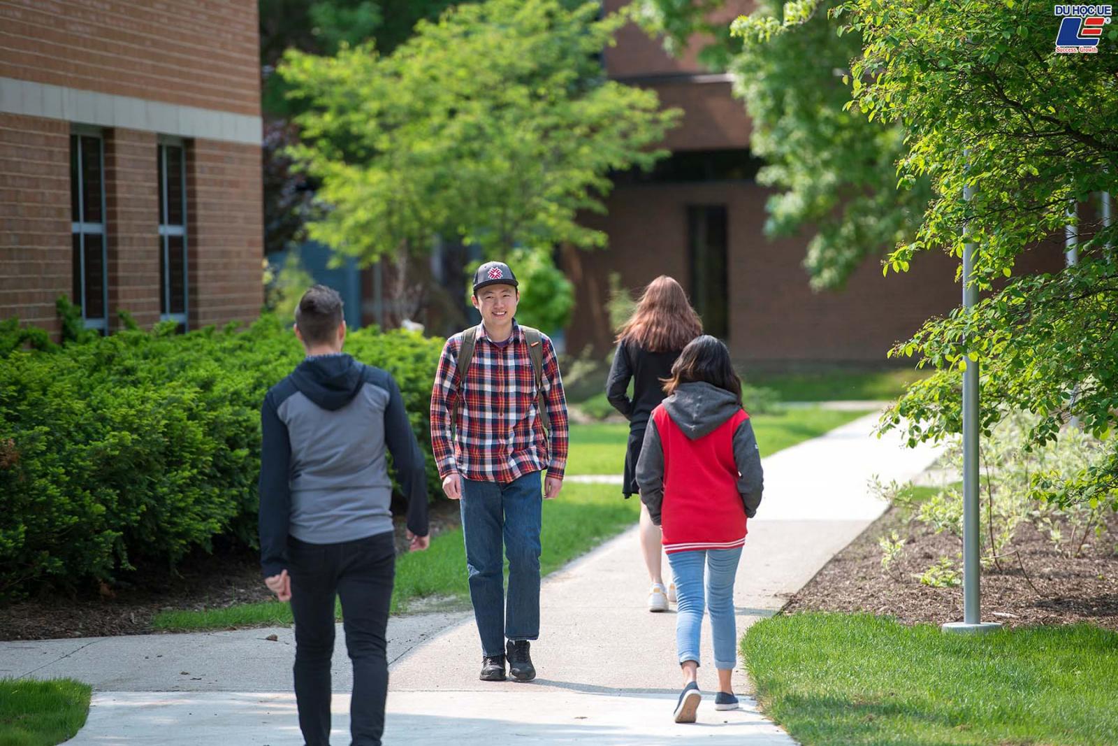 Cùng DU HỌC UE săn ngay các suất học bổng đầu vào hấp dẫn tại Fanshawe College - Trường cao đẳng cộng đồng xuất sắc tại Canada 4