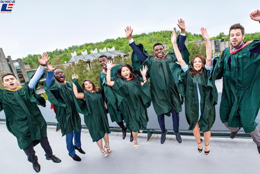 Du học Canada 2019 - Trường Đại học Trent 3