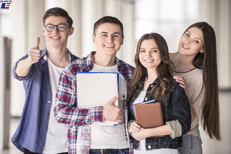 Du học Mỹ 2019 - Câu chuyện về đồng phục 3