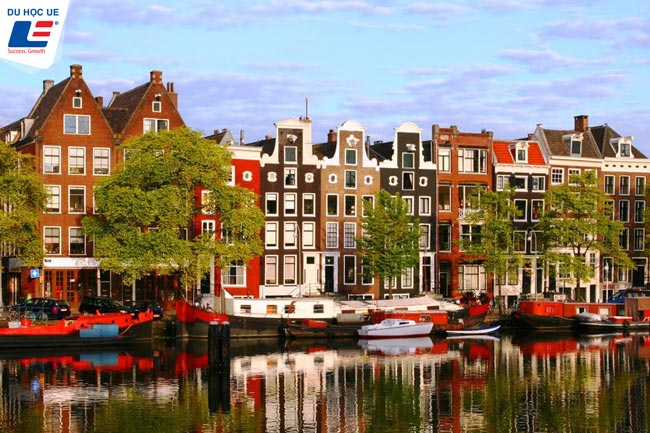 10 - 30% scholarships from Oncampus Amsterdam - CEG Netherlands