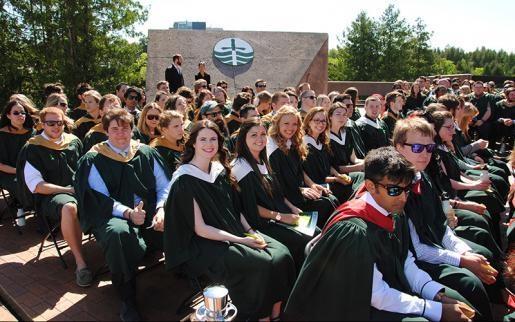 Học bổng Cử nhân của đại học Trent năm 2017