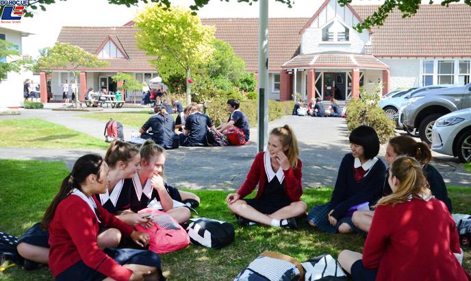 Học bổng hấp dẫn của chính phủ New Zealand dành cho chương trình trung học phổ thông vào trường Palmerston North Girls' High School 3