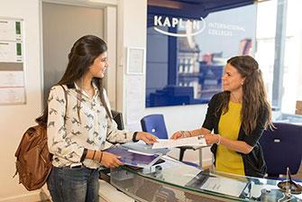 Học bổng lên đến 70% học phí từ 3 trường đại diện của Kaplan International English