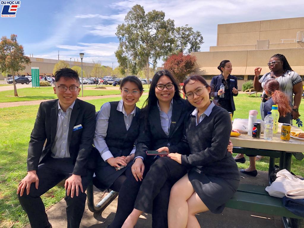 Học bổng trường đào tạo hot nhất hiện nay tại Úc - International College Of Hotel Management (ICHM) dành cho những ai đam mê ngành quản lý nhà hàng khách sạn 2