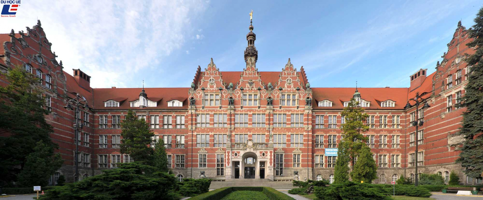10 trường đại học tráng lệ nhất châu Âu 6