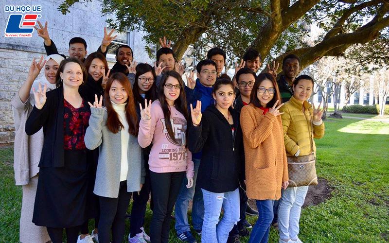 Nên học tại Việt Nam hay du học - Kỳ 4: Du học là cánh cửa luôn rộng mở