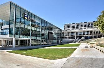 Những điều cần biết về việc xin học bổng tại đại học Flinder, Úc