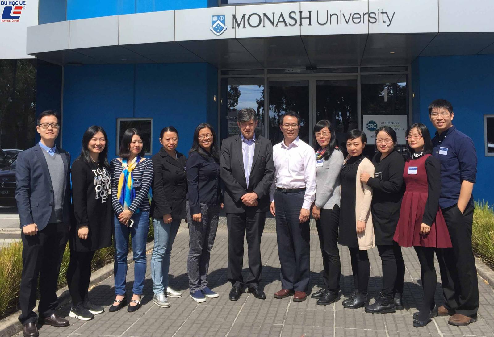 Những học bổng giúp bạn mở toang cánh cửa Đại học Monash 2