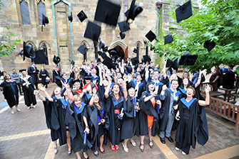 Những học bổng giúp bạn mở toang cánh cửa Đại học Monash