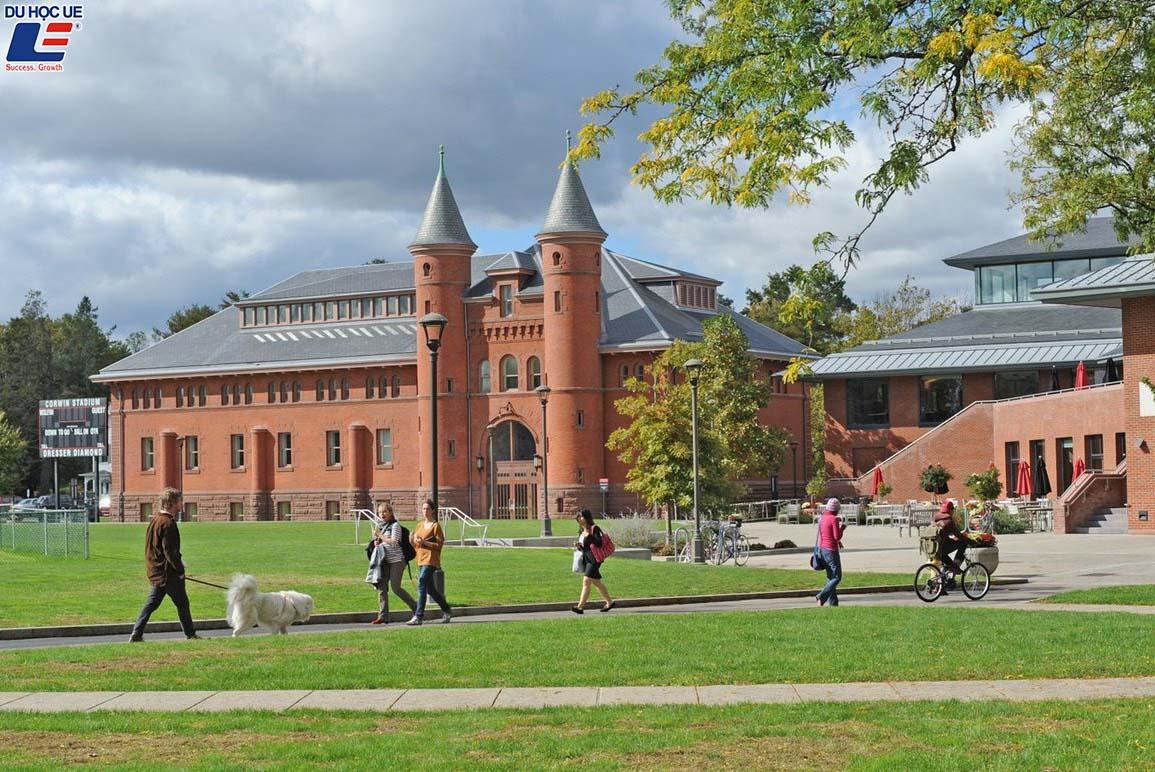 Những trường đại học hỗ trợ tài chính nhiều nhất tại Mỹ 3