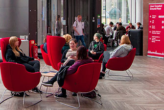 University of South Wales: Học bổng lên đến 2.500 bảng Anh cho sinh viên quốc tế
