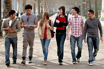 Chương trình học bổng dành cho sinh viên Việt Nam từ trường kinh doanh và tài chính London